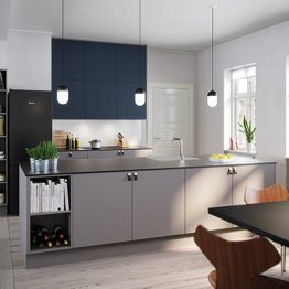 Aubo Køkken Ringsted, Unik arktisk grå og Trend Siena, mørkeblå